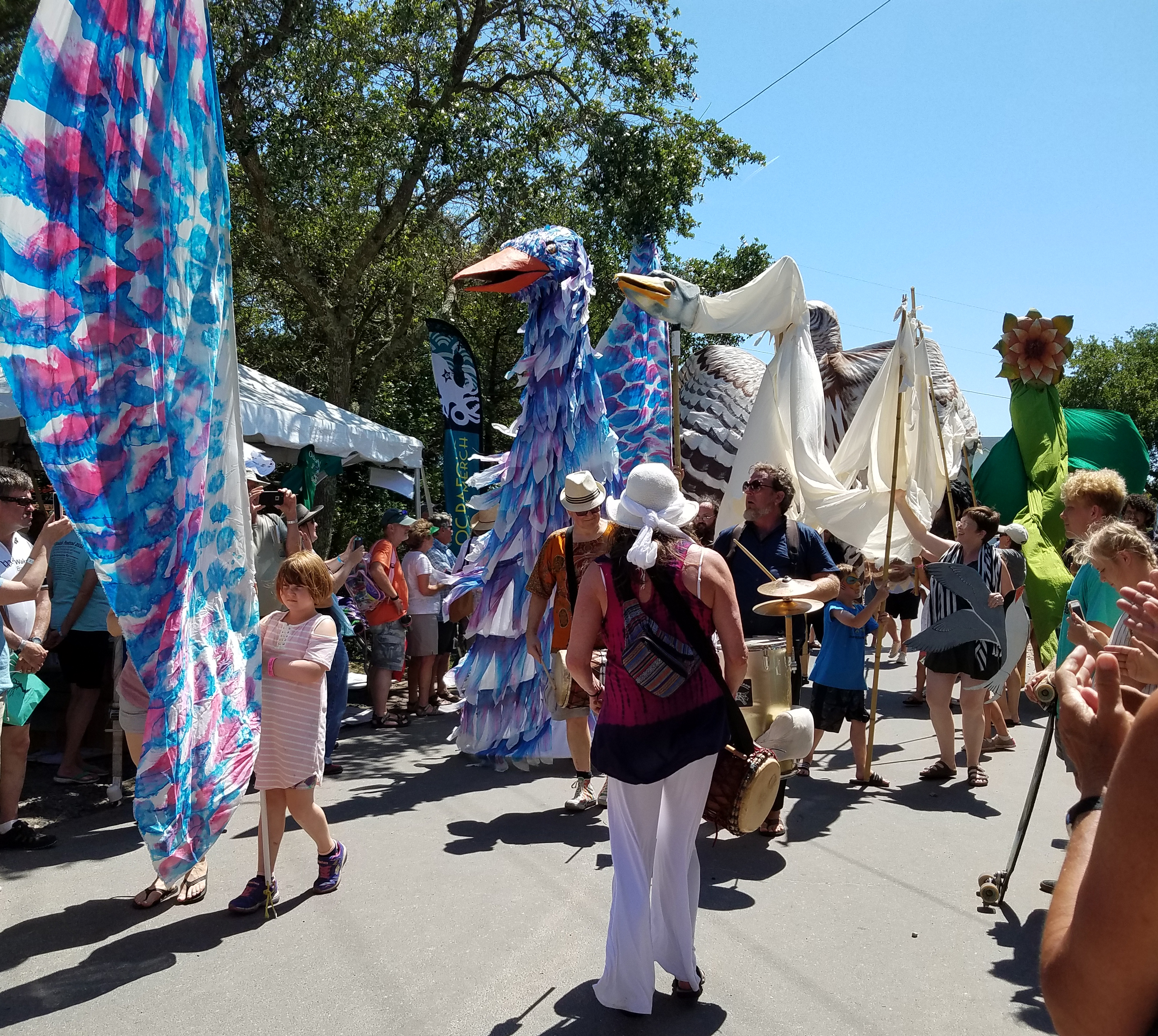 Paperhand Puppets at the Ocrafolk Festival